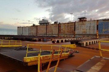 Interior del plan de la sección del dique flotante de Palumbo Tenerrife Shipyard