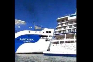 "Momento del impacto de la popa del ferry ""Fantastic"" conta el crucero ""Viking Star"""