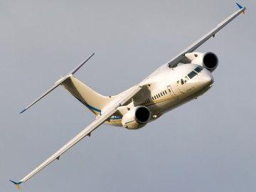 Un avión Antonov An-148, en un vuelo de demostración