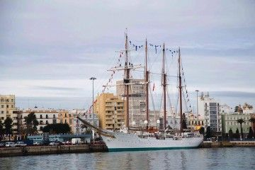 "Cádiz despedirá este mediodía al buque-escuela ""Juan Sebastián de Elcano"""