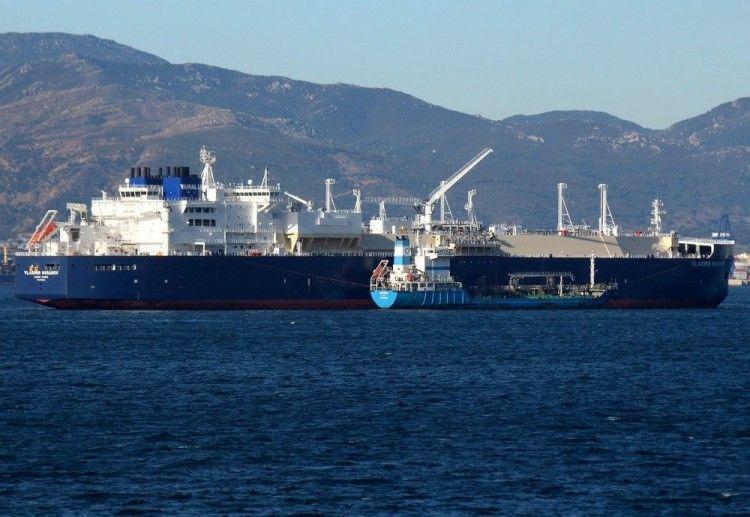 """El buque metanero """"Vladimir Rusanov"""", fondeado en Gibraltar"""