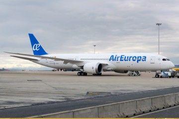 El primer avión B-787 serie -9 de Air Europa, aparcado en el aeropuerto Madrid-Barajas