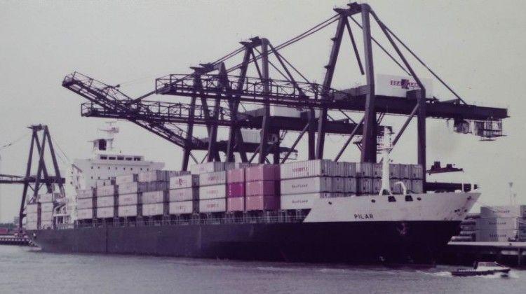 """El buque portacontenedores """"Pilar"""", primero de su clase en la flota de Trasatlántica"""