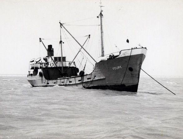 """El buque """"Felipe"""", fondeado en aguas del Sahara"""