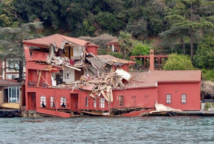 """Estado en el que quedó la mansión del siglo XIX tras la embestida del buque """"Vitaspirit"""""""