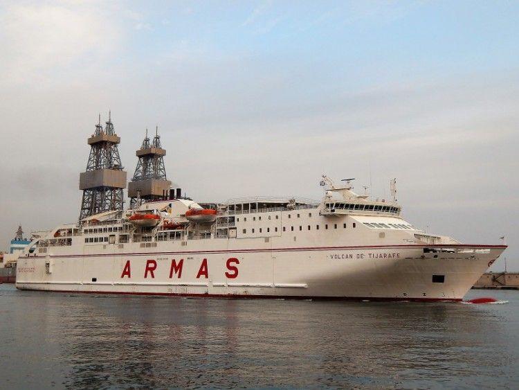 """El ferry """"Volcán de Tijarafe"""", afectado por una avería"""