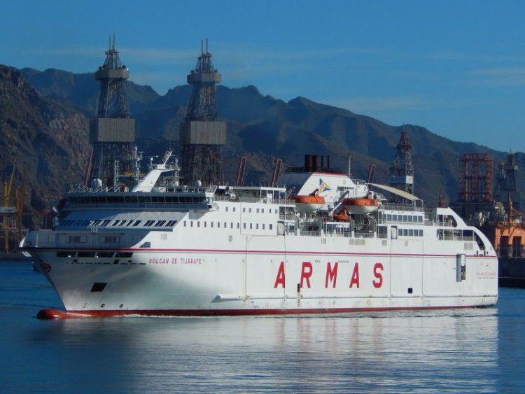 """El ferry """"Volcán de Tijarafe"""", de nuevo en servicio"""