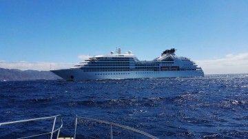 """El buque """"Seabourn Odyssey"""", a su llegada a Santa Cruz de Tenerife"""