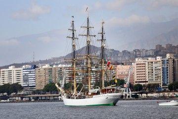 """La fragata """"Danmark"""" tiene honores concedidos por la ciudad de Santa Cruz de Tenerife"""