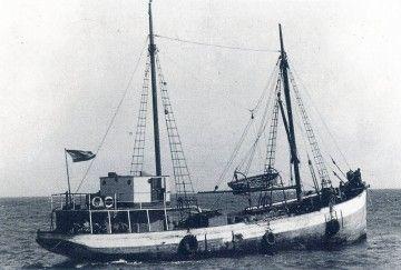 """El motovelero """"Astelena"""", en su última etapa, tras su reconstrucción en 1955"""