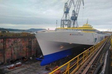 """El buque """"Benchijigua Express""""  saldrá mañana de Ferrol en el viaje de regreso a Tenerife"""
