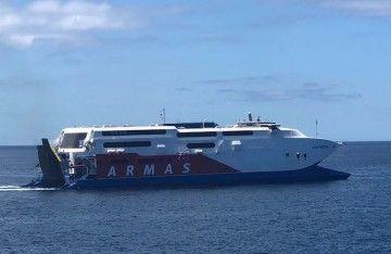 """El catamarán """"Express"""" cubre desde hoy la línea Los Cristianos-Valle Gran Rey"""