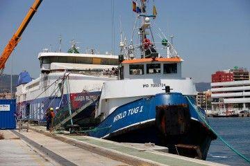 """El remolcador """"World Tug 1"""" será el encargado de llevar el fast ferry """"Panagia Parou"""" al desguace"""