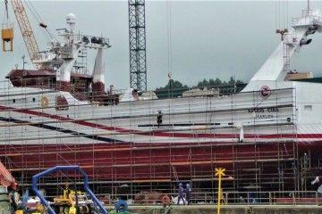 """El buque pesquero """"Argos Cíes"""", preparado para su botadura"""