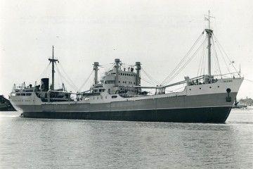 """El buque maderero """"Okume"""", recién entregado a la Empresa Nacional Elcano"""