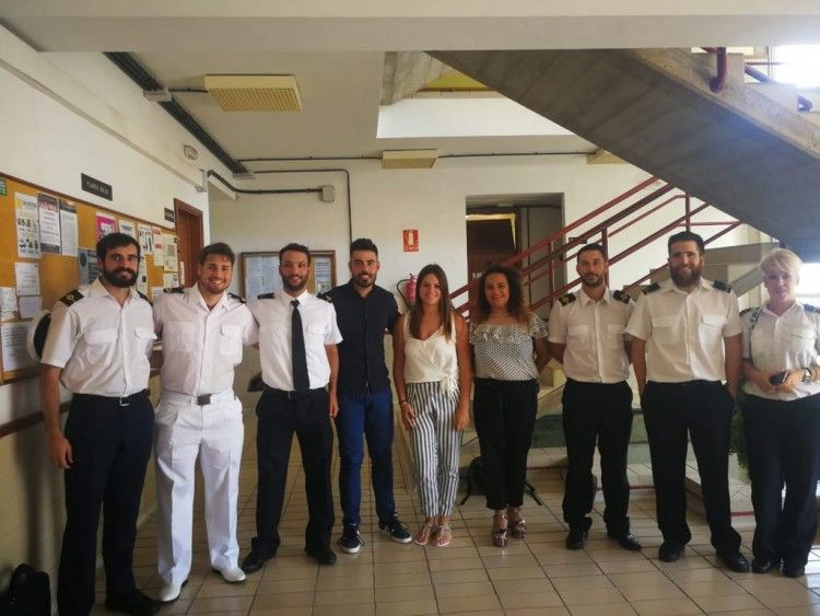 Foto del grupo de los nuevos oficiales de puente