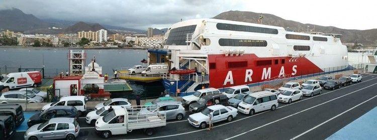 """El catamarán sueco """"Express"""" ha vuelto a la línea Los Cristianos-Valle Gran Rey"""