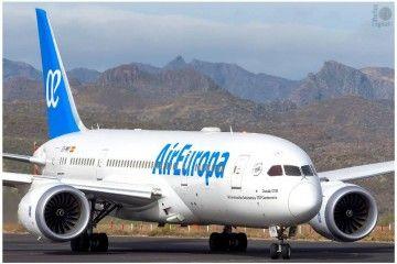 Este es el avión B-787 de Air Europa que homenajea a la Universidad de Salamanca