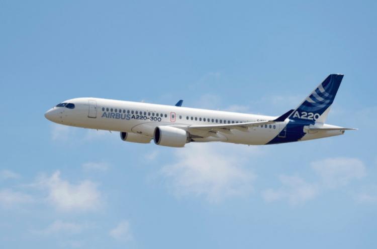 Con el modelo A220 en dos versiones, Airbus compite directamente con Embraer