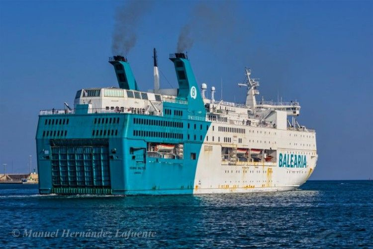 "El ferry ""Regina Baltica"" opera en la línea Valencia-Mostaganem"