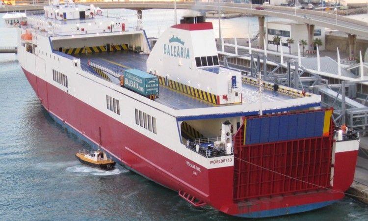 """El buque """"Visemar One"""" lleva siete años al servicio de Balearia"""