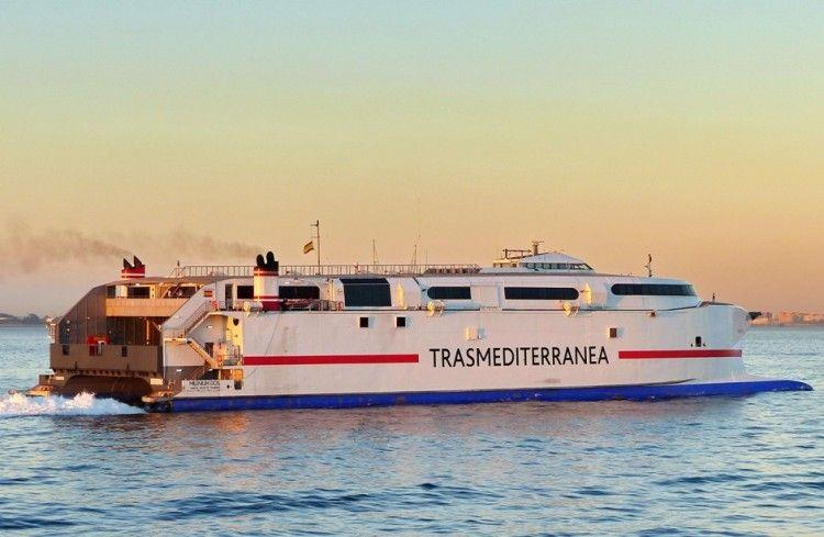 Las tres navieras que operan en Ceuta intercambian billetes y refuerzan sus programaciones