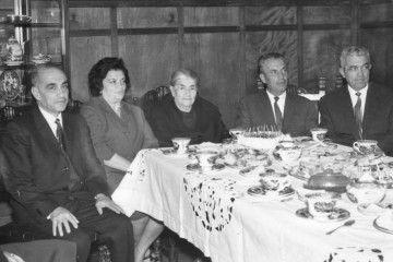 Parte de la familia Armas Curbelo, junto a su madre, en una foto de 1969