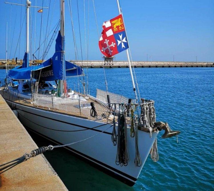 """El velero militar italiano """"Orsa Maggiore"""" está atracado en la Dársena de Los Llanos"""