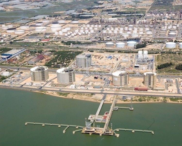 Panorámica de la planta de Enagás en Huelva