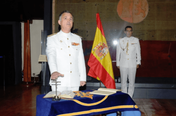 El almirante Juan Rodríguez Garat, en su toma de posesión
