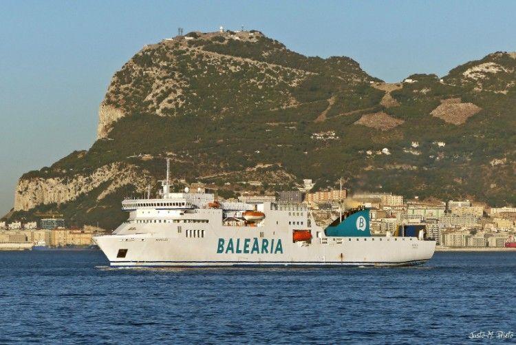 """El buque """"Nápoles"""" opera en la línea Algeciras-Tánger Med"""