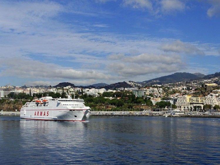 """El ferry """"Volcán de Tijarafe"""" zarpa la mañana del lunes del puerto de Funchal"""