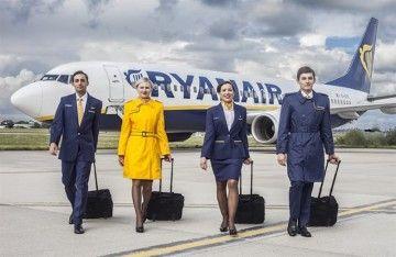Tripulantes de cabina de pasajeros de Ryanair