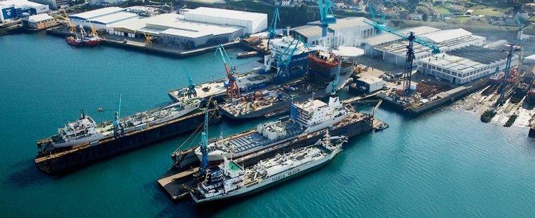 Panorámica de las instalaciones de Metalships en la ría de Vigo