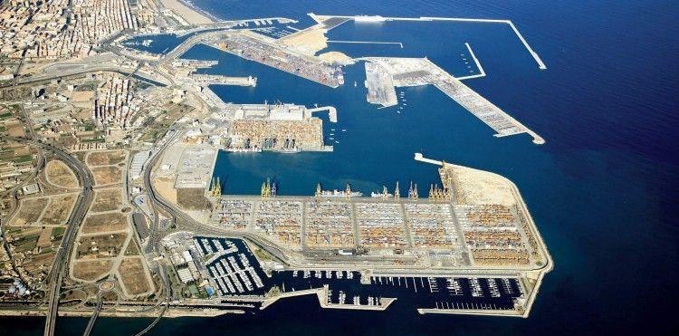 Panorámica del puerto de Valencia