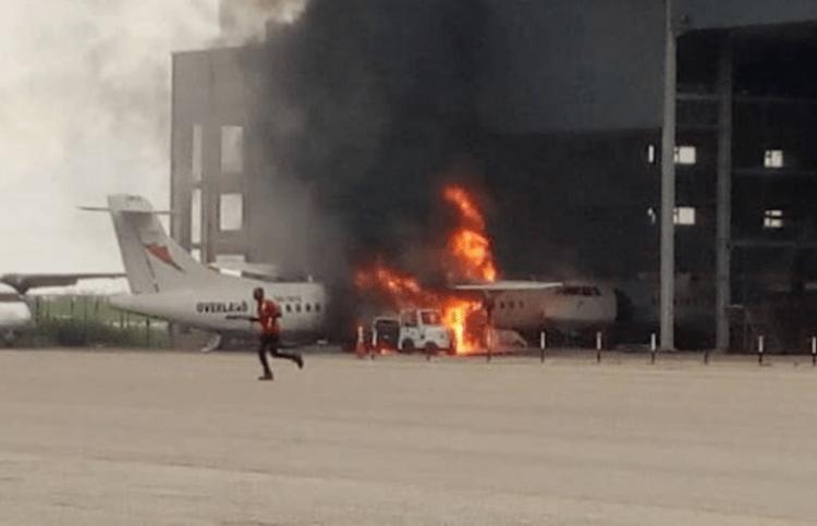 El fuego destruyó la aeronave cuando se encontraba aparcada en el hangar