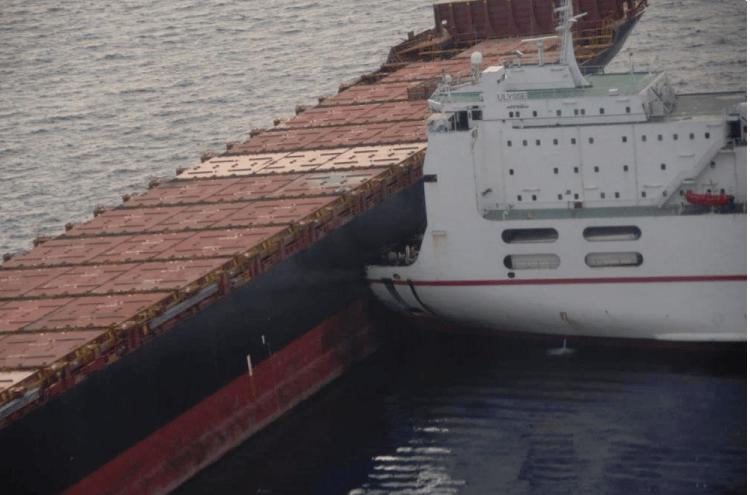 """Así quedó la proa del ferry """"Ulysse"""" tras el impacto"""