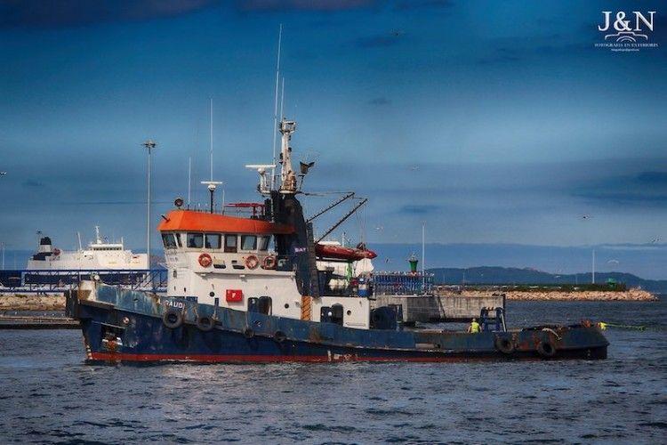"""El remolcador """"A. Gaudí"""", en una reciente escala en el puerto de Vigo"""