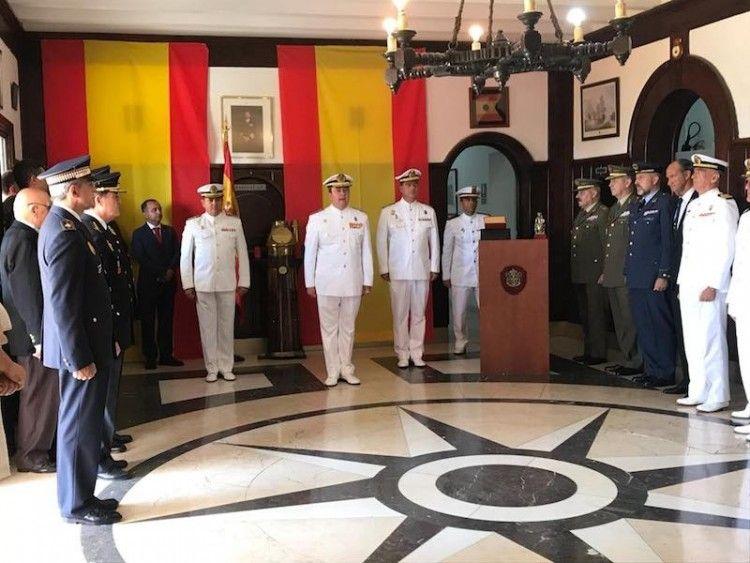 El relevo en el mando se celebró en el hall de la Comandancia Naval de Tenerife