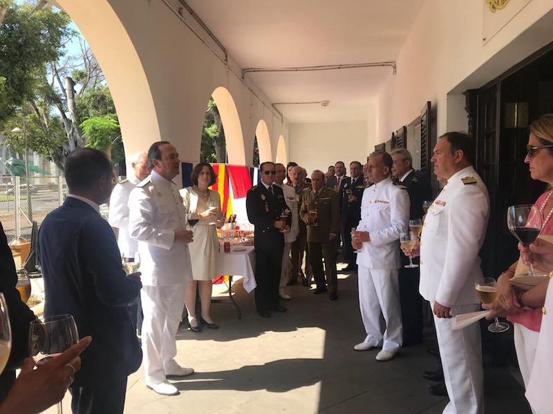 El almirante comandante del Mando Naval de Canarias dirige unas palabras a los asistentes