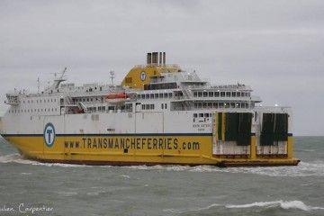 """El buque """"Seven Sisters"""", visto por la aleta de babor"""