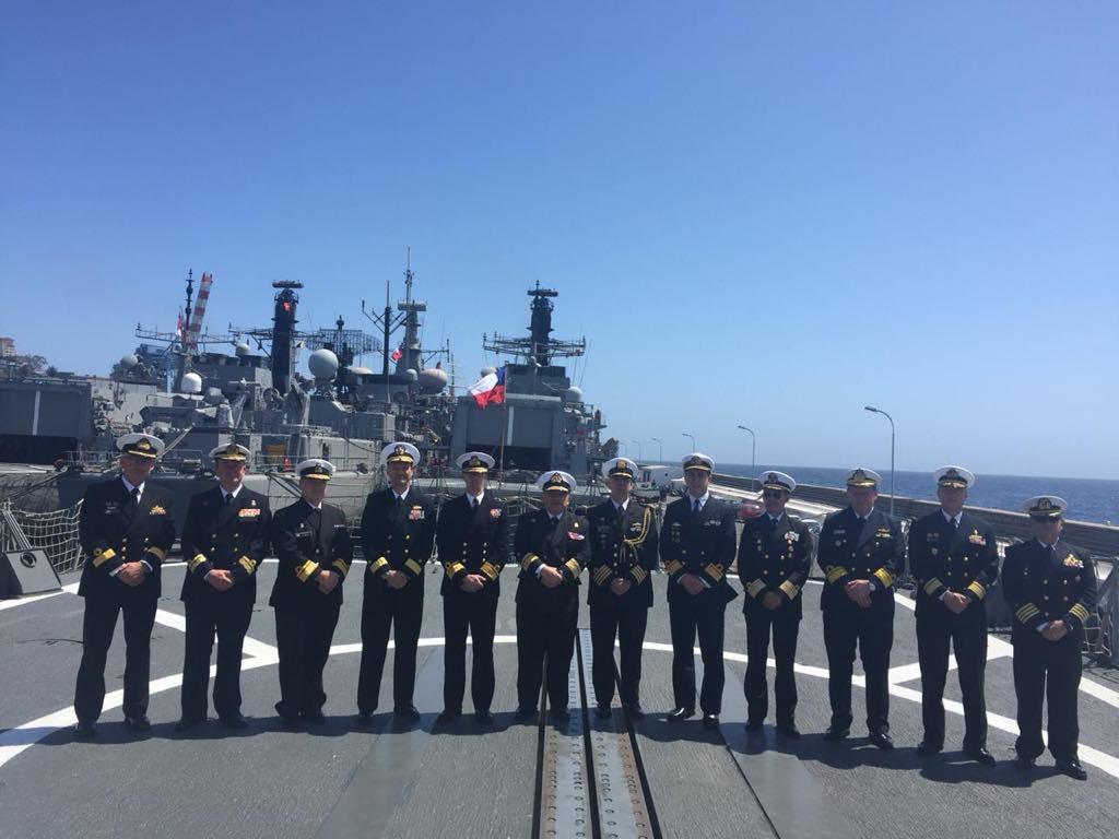 """En la cubierta del buque """"Almirante Williams"""", buque-insignia de la Armada de Chile"""
