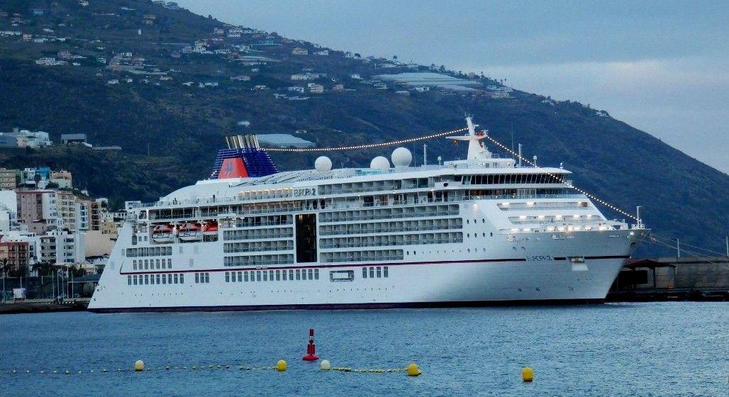 """El buque """"Europa 2"""", hoy, en el puerto de Santa Cruz de La Palma"""
