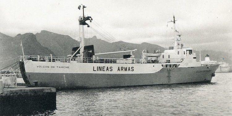 """El buque """"Volcán de Tahíche"""", atracado en el puerto de Santa Cruz de Tenerife"""