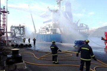 El simulacro se realizó en el muelle ciego del puerto de La Hondura