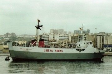 """El buque """"Volcán de Taiza"""", primer rolón que navegó en Canarias"""