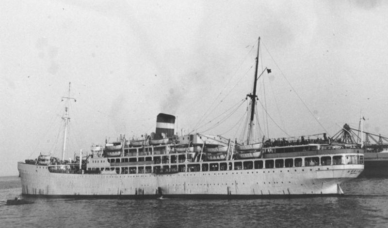 """El trasatlántico """"Auriga"""" zarpa del puerto de Santa Cruz de Tenerife"""