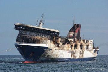 """Estado en el que quedó el buque """"Sorrento"""" a su llegada a Sagunto"""