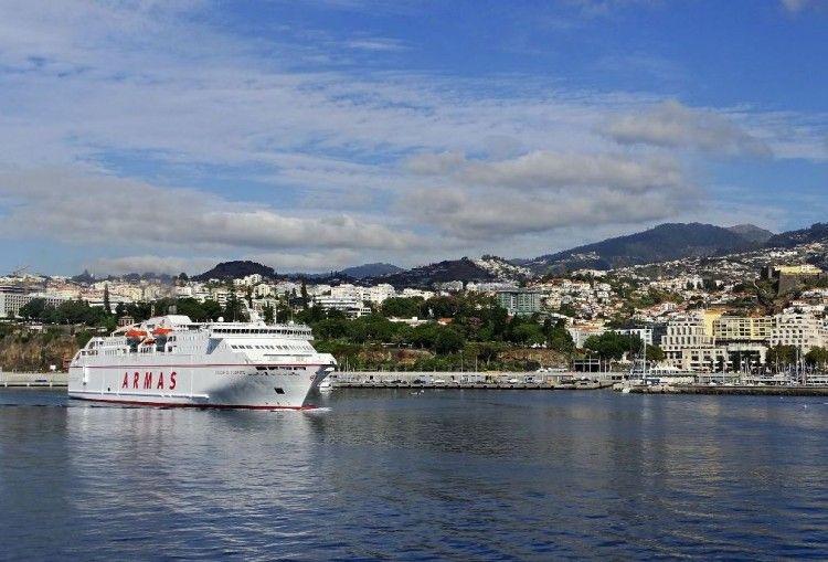 """El ferry """"Volcán de Tijarafe"""" zarpa de Funchal en el último viaje del verano de 2018"""