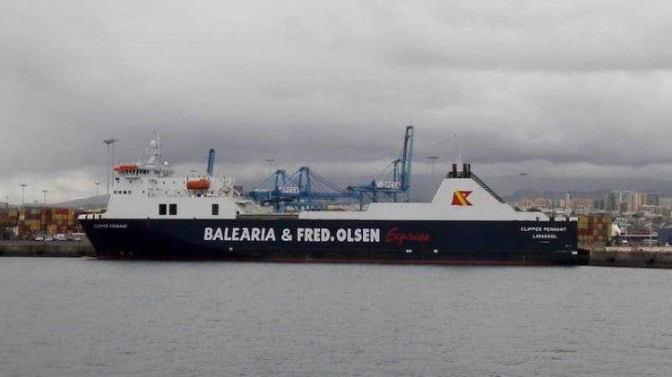 """El buque """"Clipper Pennant"""", esta mañana, en el puerto de Las Palmas de Gran Canaria"""
